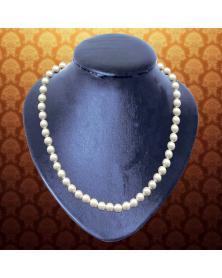 Halskette mit Magnet-Perlen